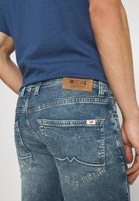 Mustang - OREGON - Jeans straight leg - denim blue - 3
