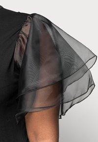 Missguided Plus - PLUS FRILL SLEEVE DRESS - Robe d'été - black - 4
