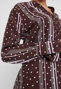 Levete Room - FREYA - Košilové šaty - french toast combi - 5