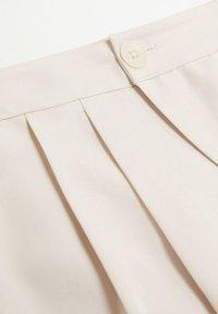 Mango - MOMA-A - Spodnie materiałowe - ecru - 6