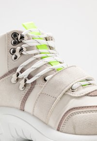 RAID - BRAVO - High-top trainers - blush - 2