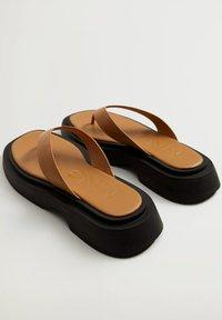 Mango - Pool shoes - middenbruin - 2