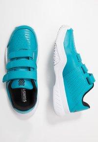 K-SWISS - COURT EXPRESS STRAP OMNI - Multicourt tennis shoes - algiers blue/white - 1
