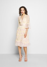 Needle & Thread - PENNYFLOWER DRESS - Cocktail dress / Party dress - pink - 1