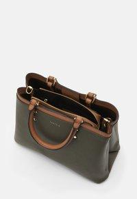 PARFOIS - BAG SNATCH - Handbag - khaki - 2