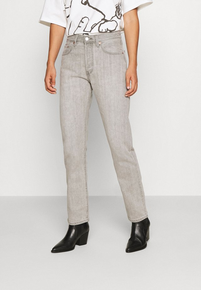501® CROP - Jeansy Slim Fit - opposites attract