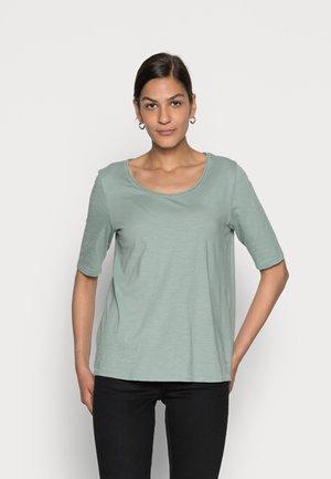 TEE - Jednoduché triko - dusty green