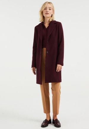 Classic coat - vintage red