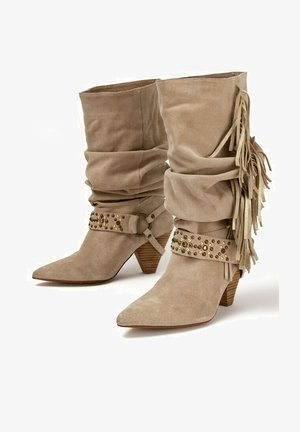 AMY - Botines camperos - sand