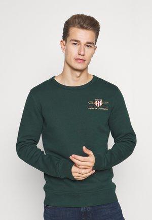 MEDIUM ARCHIVE SHIELD C NECK - Sweater - tartan green