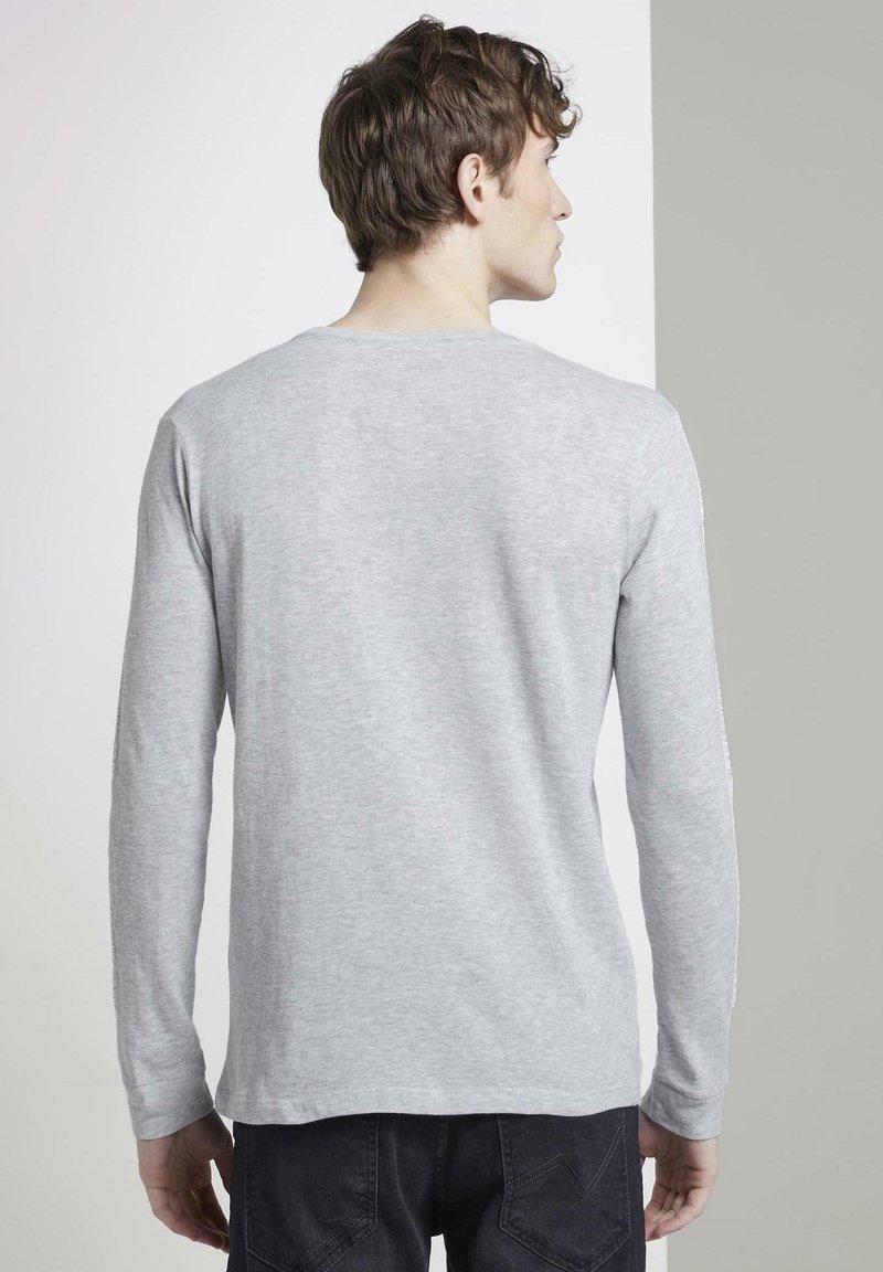 TOM TAILOR DENIM Langarmshirt - grey/hellgrau tXQEoQ