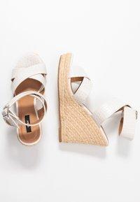 ONLY SHOES - ONLAMELIA WRAP  - Korolliset sandaalit - white - 3