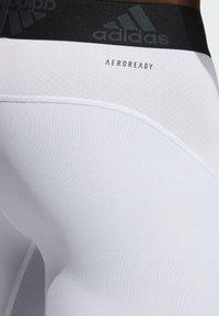 adidas Performance - TURF TIGHT PRIMEGREEN TECHFIT WORKOUT COMPRESSION SHORT LEGGINGS - Sports shorts - white - 4