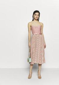 Elisabetta Franchi - Cocktail dress / Party dress - pink/oro - 1
