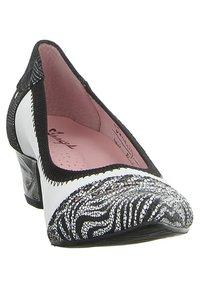 maciejka - Classic heels - bialy - 7