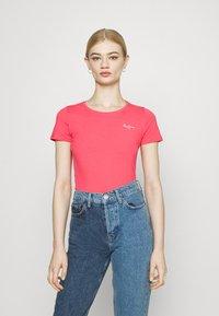 Pepe Jeans - BELLROSE - Basic T-shirt - dark chicle - 0