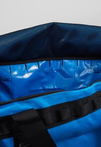 The North Face - BASE CAMP DUFFEL L UNISEX - Holdall - clear lake blue/black - 5