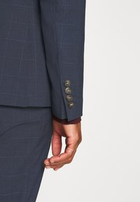 Isaac Dewhirst - DOUBLE BREASTED WINDOWPANE CHECK SUIT - Completo - dark blue - 9