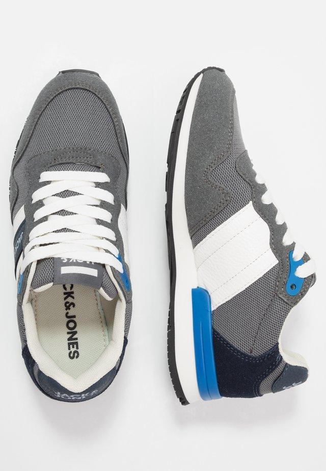 JRSTELLAR  - Sneakers basse - castlerock
