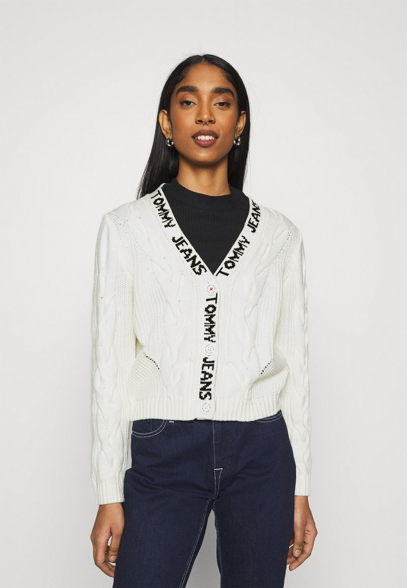 Tommy Jeans - BRANDED NECK CARDIGAN - Cardigan - snow white