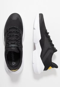Reebok - SPLIT FUEL - Neutral running shoes - black/red/grey/yellow