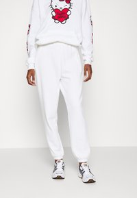 Even&Odd - 2 PACK - Loose fit Joggers - Pantaloni sportivi - black/white - 1