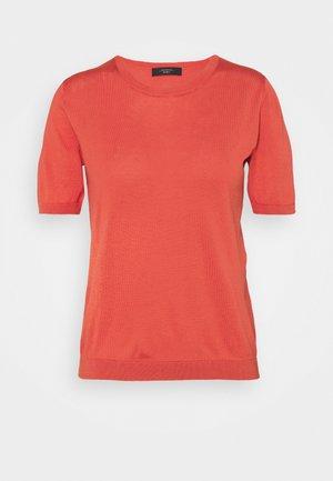 CAIRO - Basic T-shirt - koralle