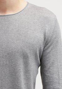 Selected Homme - SLHDOME CREW NECK - Svetr - medium grey melange - 4