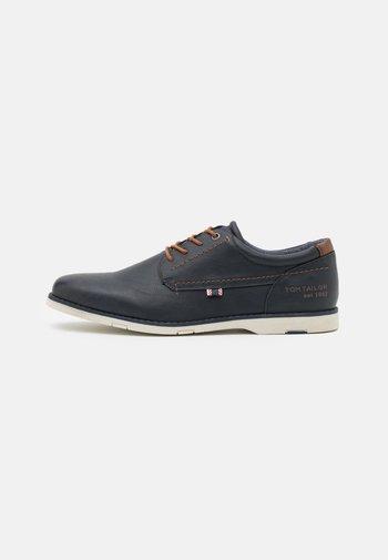 Zapatos con cordones - navy