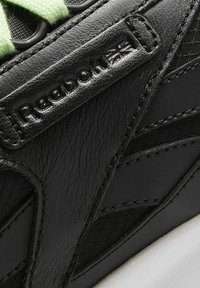 Reebok Classic - NEW LEGACY LEATHER SHOES - Trainers - black - 10