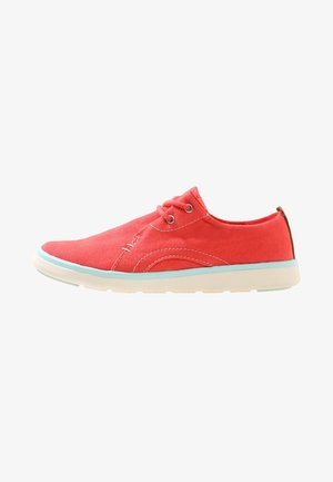 GATEWAY PIER OXFORD - Casual lace-ups - red