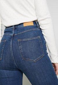Monki - OKI NEW - Jeansy Skinny Fit - blue medium dusty - 5