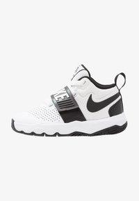 Nike Performance - TEAM HUSTLE D 8  - Basketball shoes - white/black - 0