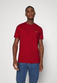 Lyle & Scott - T-shirt - bas - chilli pepper red - 0