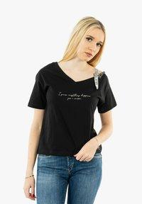 Guess - Print T-shirt - noir - 0