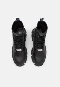 Steve Madden - TANKER - Kotníkové boty na platformě - black - 5
