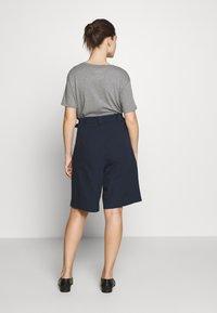 esmé studios - VERA SHORTS - Shorts - dark sapphire - 2