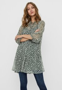 Vero Moda - VMWONDA TUNIC - Day dress - laurel wreath - 0