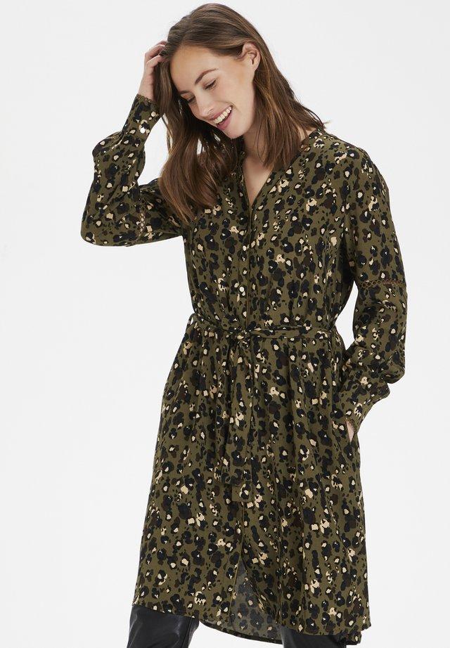 CUJOSA  - Shirt dress - burnt olive leo