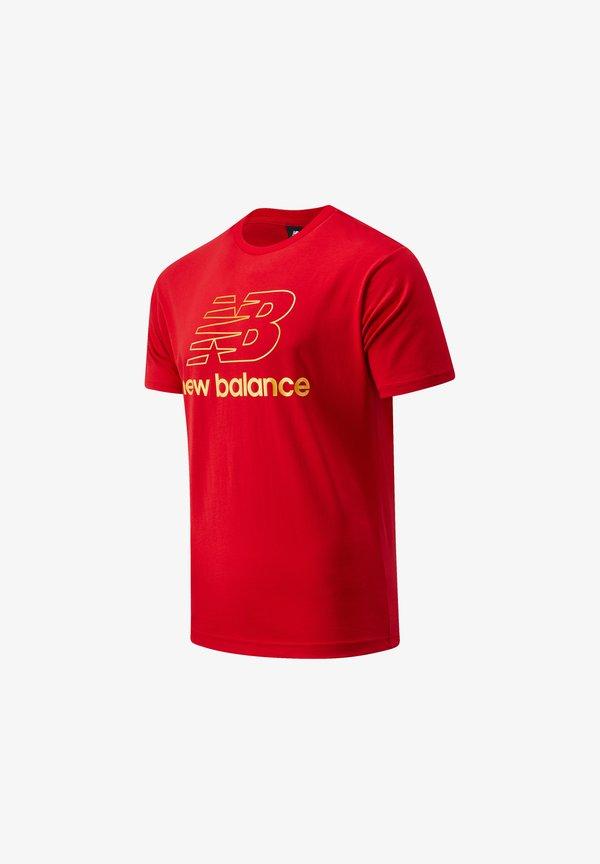 New Balance ATHLETICS PODIUM - T-shirt z nadrukiem - team red inline/czerwony Odzież Męska SVYP