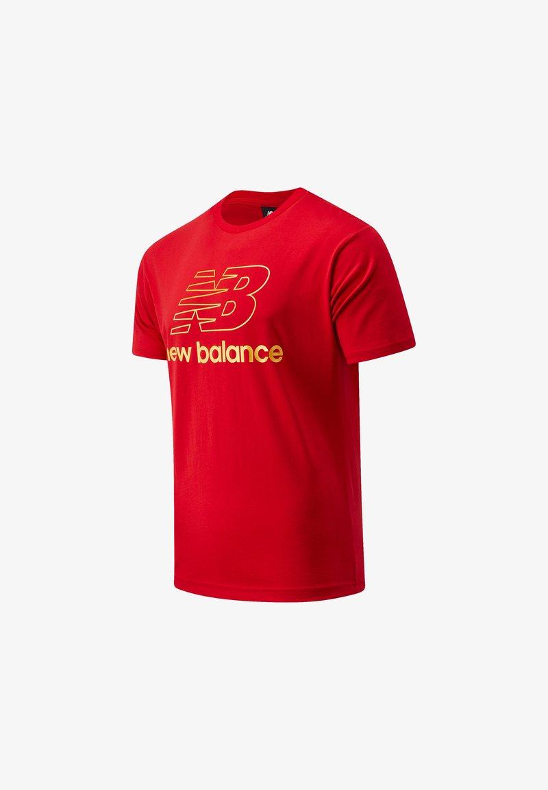 New Balance - ATHLETICS PODIUM - Print T-shirt - team red inline
