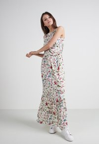 Tezenis - Maxi dress - st.artistic flowers - 1