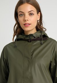 Ilse Jacobsen - TRUE RAINCOAT - Parka - army - 4