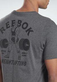 Reebok - REEBOK WEIGHTLIFTING T-SHIRT - T-shirt imprimé - grey - 4