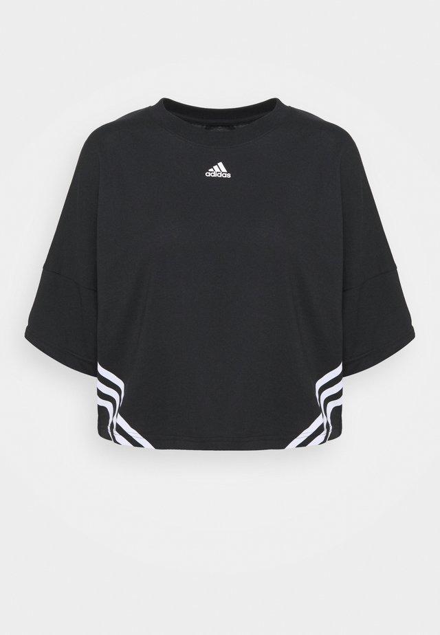 CROPPED TEE  - T-shirt med print - black/white