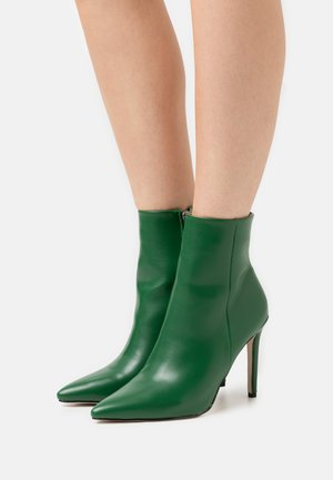 ALYSE - Botines - green
