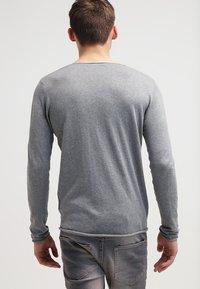 Selected Homme - SLHDOME CREW NECK - Svetr - medium grey melange - 2