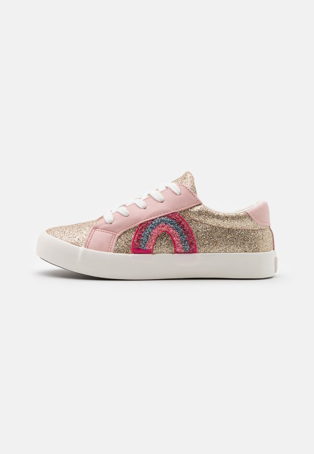 TIBI - Sneakers laag - gold/blush