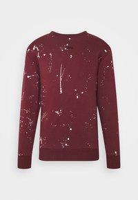PAINT SPLAT CREW - Sweatshirt - burgundy