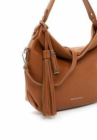 Emily & Noah - Handbag - cognac - 4